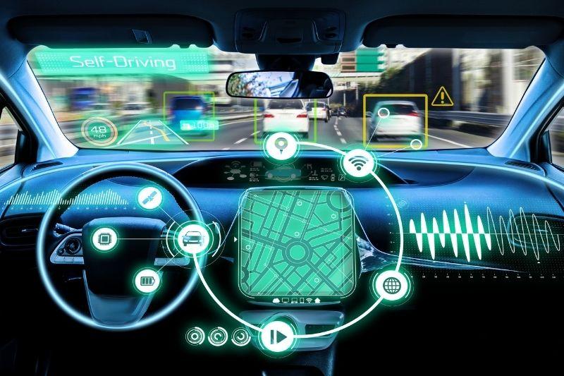 Com a tecnologiam 5G, os carros autônomos se tornarão realizade mais rápido.