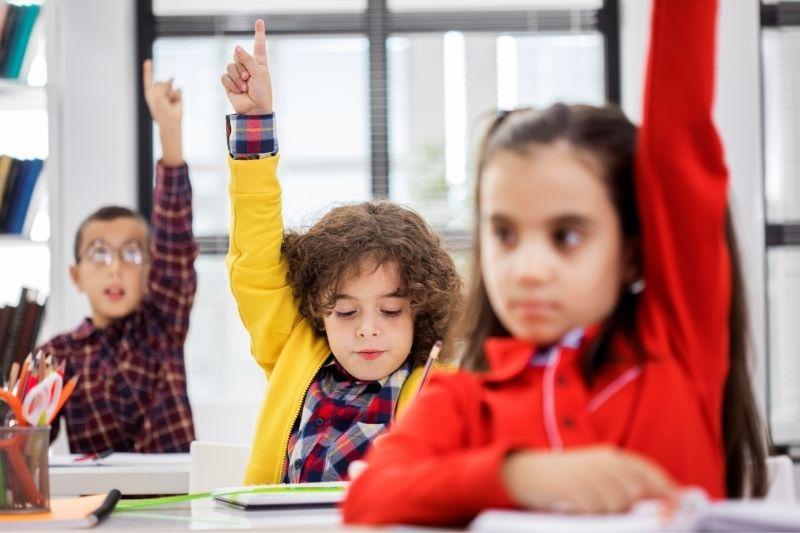 As crianças que recebem educação sexual nas escolas estão mais cientes dos riscos que correm.