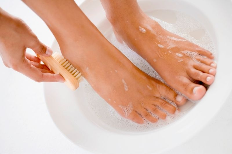 A hgigiene dos pés é muito importante para o cuidado com os pés.